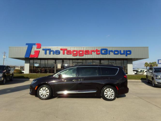 2017 CHRYSLER PACIFICA TOURIN VAN PASSENGE