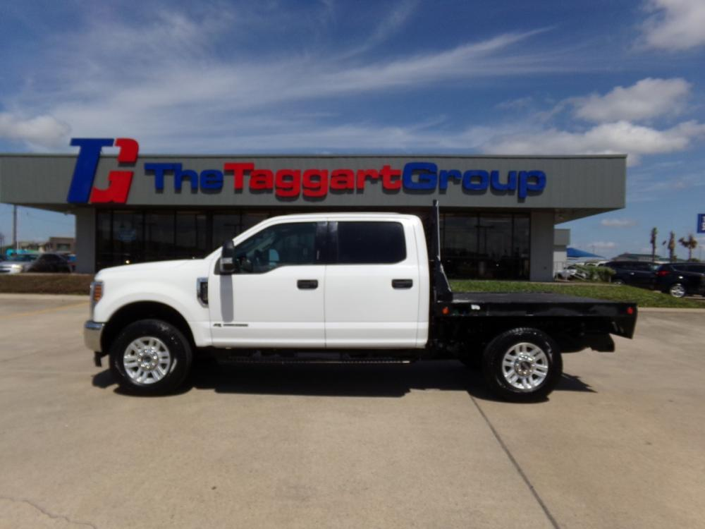 2019 WHITE FORD F250 SUPER DUTY (1FT7W2BT3KE) with an 8 engine, Automatic transmission, located at 1609 US Hwy 181, Portland, TX, 78374, (361) 643-6900, 27.890381, -97.313248 - Photo #0